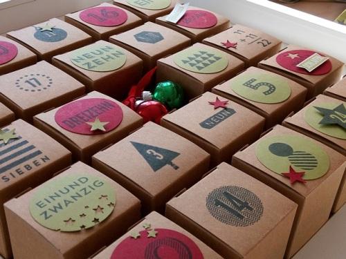 Adventskalender, Mini-Geschenkboxen